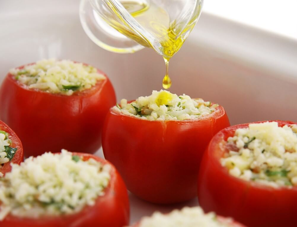 Stuffed Tomatoes with Pesto Sauce Photo 6