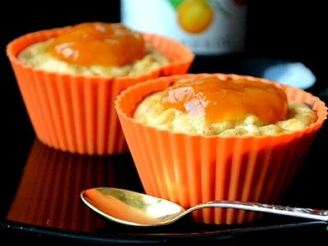 Mini Cheesecakes with Apricot Jam and Bananas Photo 1