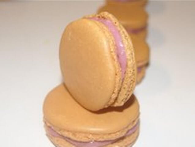 Macaroons with Raspberry Ganashe Photo 8