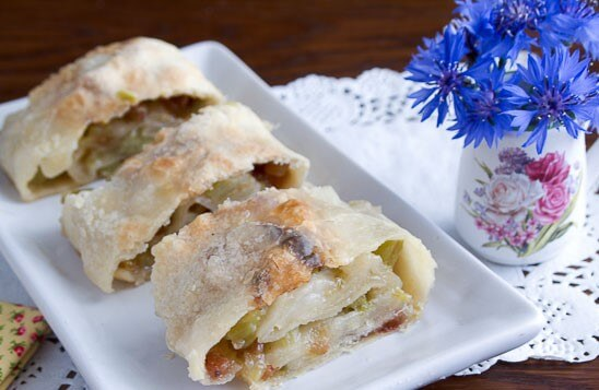 Strudel Recipe with Rhubarb and Raisins Photo 1