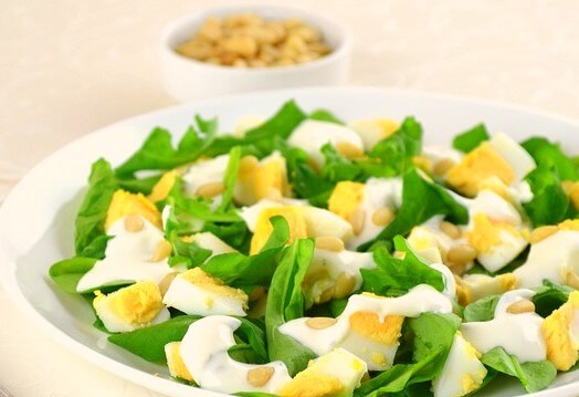 Simple Rocket Salad with Eggs Photo 1