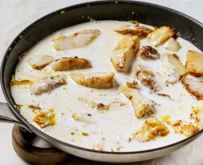 Healthy Fish Curry with Coconut Milk and Rice Photo 6