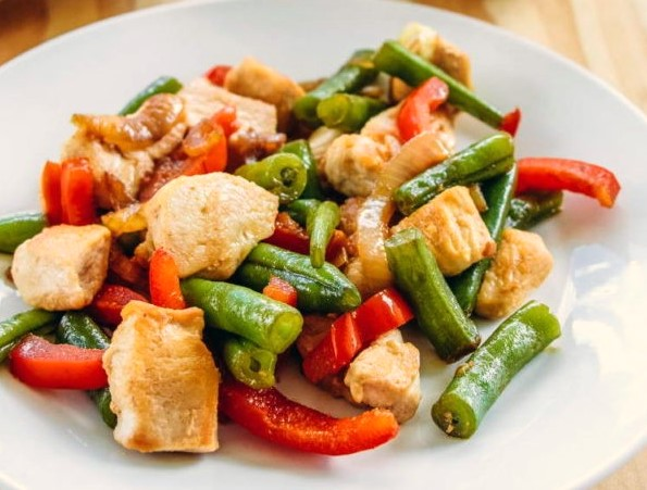 Asian Style Chicken Salad Photo 1