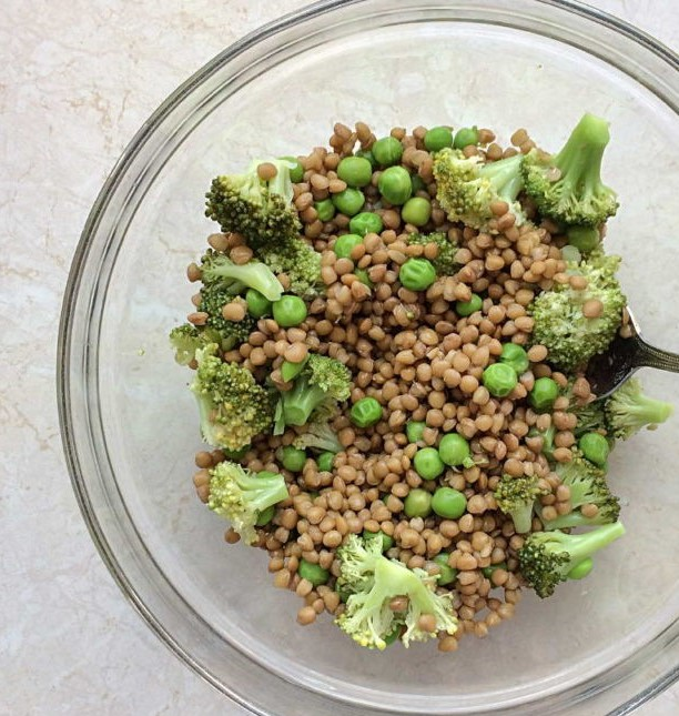 Salad with Lentils, Broccoli and Green Peas Photo 5